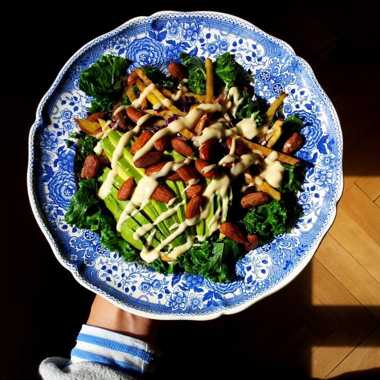 Mandeln über Salat